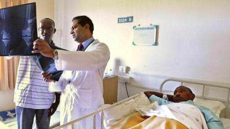 Un patient Nigérien à l'hôpital de Madras, en Inde, le 26 mars 2014. (AFP/Manjunath Kiran)