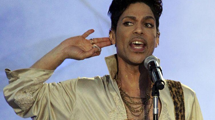 Prince lors du Hop Farm Festival de Paddock Wood (Royaume-Uni), le 3 juillet 2011. (OLIVIA HARRIS / REUTERS)