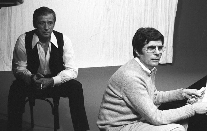 """Yves Montand et Jean Christophe Averty pendant la préparation de l'émission """"Montand de mon temps"""", en 1973  (Robert Picard / Ina / AFP)"""