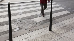 Les derniers chiffres de la sécurité routière sont encourageants pour le mois d'octobre, avec une baisse de la mortalité (-8%) sur les routes par rapport à 2018. La ville de Lunel (Hérault) teste un nouvel outil pour sécuriser les passages piétons. (STEPHANE OUZOUNOFF / PHOTONONSTOP / AFP)