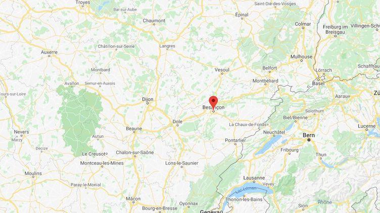 Une auxiliaire de vie est soupçonnée d'avoir volé 140 000 euros à un vieil homme, dans l'agglomération de Besançon. (GOOGLE MAPS)