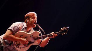 Dan Auerbach, le guitariste des Black Keys, le 28 mai 2015 au festival Primavera de Barcelone. (ALEJANDRO GARCIA / MAXPPP)