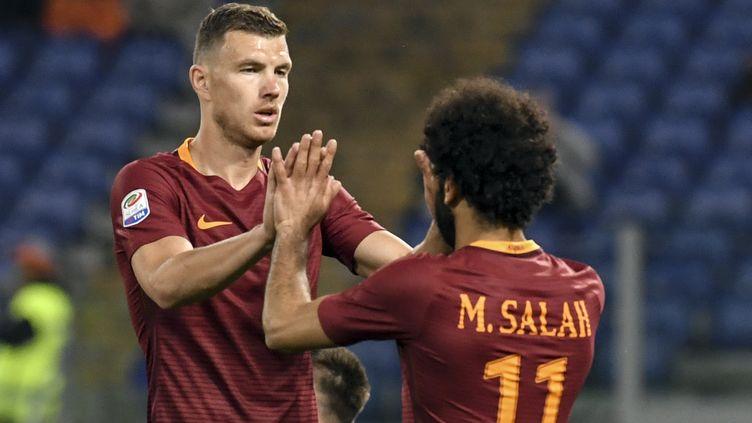 Edin Dzeko, et Mohamed Salah, buteurs de l'AS.Rome (ANDREAS SOLARO / AFP)