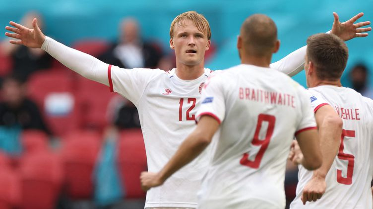 Kasper Dolberg, auteur d'un doublé, contre le pays de Galles, le 26 juin 2021. (KENZO TRIBOUILLARD / POOL / AFP)