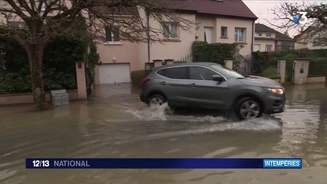 Inondations en Seine-Saint-Denis : à Gournay-sur-Marne, l'eau continue de monter