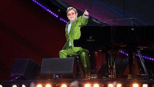 Elton John sur la scène du Trocadéro à Paris lors de son concert pour leGlobal Citizen Live du 25 septembre 2021. (MARC PIASECKI / GETTY IMAGES EUROPE)