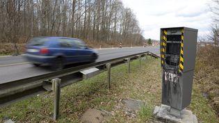 Un radar situé à Golbey (Vosges), en mars 2015. (MAXPPP)