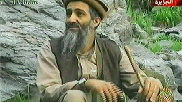 Capture d'écran d'Oussama Ben Laden sur la chaîne Al-Jazeera, le 10 septembre 2003. (AL-JAZEERA / AFP)