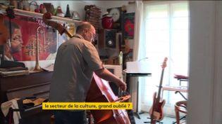 Le musicien Christophe Devillers (FRANCEINFO)