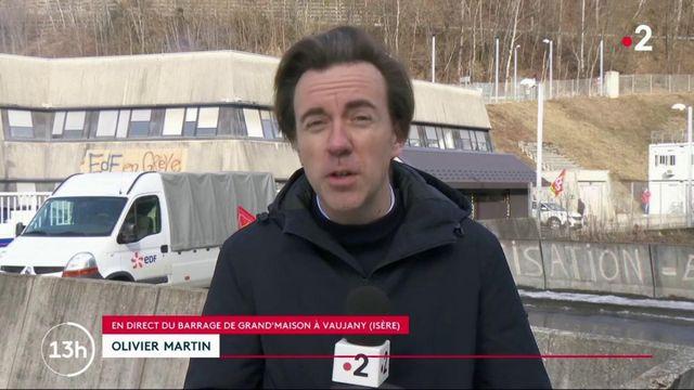 Réforme des retraites : les grévistes bloquent l'usine hydro-électrique de Grand'Maison en Isère
