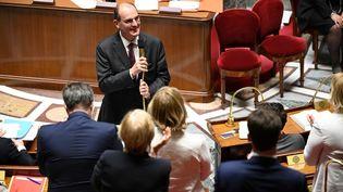 Le Premier ministre, Jean Castex, après le vote de confiance des députés à l'Assemblée nationale, à Paris, le 15 juillet 2020. (MARTIN BUREAU / AFP)