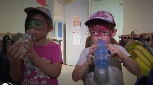 Des enfants dans un centre de loisirs à Fontainebleau en Seine-et-Marne, le vendredi 7 août 2020. (FRANCE 2)
