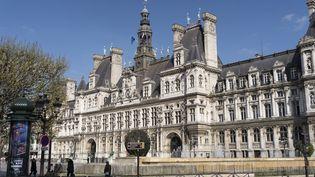 L'hôtel de Ville de Paris, le 8 avril 2021. (LAURE BOYER / HANS LUCAS / AFP)