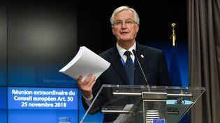 Michel Barnier lors d'une conférence de presse au Conseil de l'Europe, à Bruxelles, le 25 novembe 2018. (JOHN THYS / AFP)