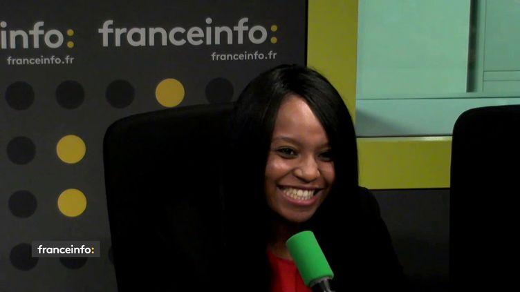 La porte-parole de La France insoumise, Sarah Soilihi, était l'invitée de L'interview J-1, lundi 19 décembre sur franceinfo. (FRANCEINFO / RADIO FRANCE)