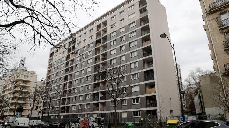 Mireille Knoll a été assassinée dansson appartement de cet immeuble du 11e arrondissement de Paris. (THOMAS SAMSON / AFP)