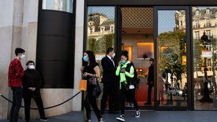 La boutique Louis Vuitton sur les Champs-Elysées à Paris. Photo d'illustration. (ALEXIS SCIARD  / MAXPPP)
