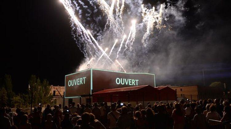 Spectacle pyrotechnique du Groupe F à laFabricA,lors de la cérémonie d'ouverture du Festival d'Avignon,le 5 Juillet 2013.  (ANNE-CHRISTINE POUJOULAT / AFP)