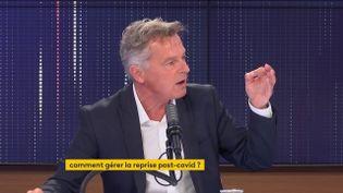 Fabien Roussel, secrétaire national du Parti communiste français, député du Nord et candidat à l'élection présidentielle, invité le 11 septembre 2021 sur franceinfo. (FRANCEINFO / RADIO FRANCE)
