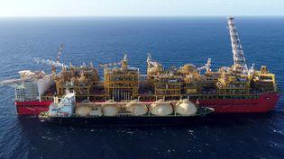Méthaniertransportant du gaz naturel liquéfié (GNL). Photo obtenue le 11 juin 2019. Royal Dutch Shell Australia. (REUTERS - HANDOUT . / X80001)