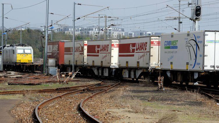 La société de fret ferroviaire Combiwest envisage de bloquer le trafic en Ile-de-France, le 3 septembre 2015. (MAXPPP)