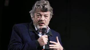 Jean-Louis Borloo s'exprime sur la reconstruction des banlieues au siège du Medef, le 21 novembre 2017, à Paris. (MAXPPP)