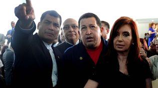 De gauche à droite : le président équatorien, Rafael Correa, l'ex-président duParaguay Fernando Lugo, Hugo Chavez, et la présidente argentine,Cristina Kirchner, lors d'un sommet de l'Union des nations sud-américaines à Georgetown (Guyana), le 26 novembre 2010. (YURI CORTEZ / AFP)