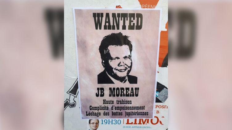 Affiche placardée dans Guéret (Creuse), le 13 août 2019 (OLIVIER ESTRAN / RADIO FRANCE)