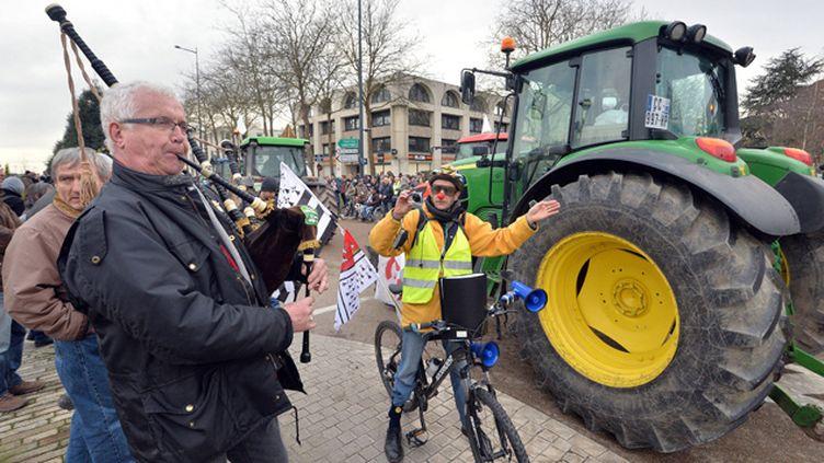 (110 tracteurs ont défilé à Rennes contre le projet d'aéroport à Notre-Dame-des-Landes. © MaxPPP)