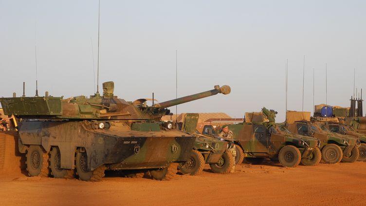 Des soldats français de l'opération Barkhane sur la base militaire de Gao (Mali), le 31 octobre 2017. (DAPHNE BENOIT / AFP)