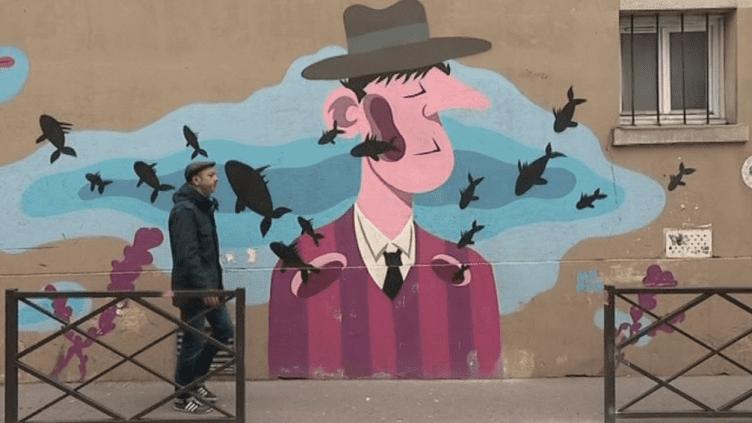 Les artistes sont de plus en plus nombreux à inverstir les murs délabrés des villes. Grâce au guide de Stéphanie Lombard, les visiteurs ont la possibilité de découvrir les oeuvres majeures de la capitale.  (France 3 / Culturebox)