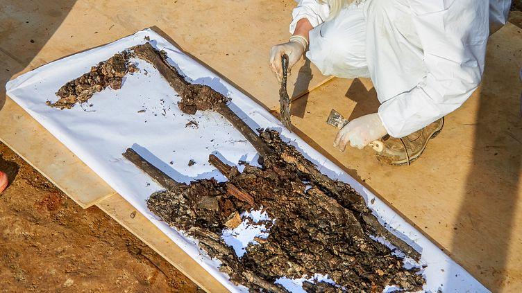 Les restes présumés du général d'Empire Charles-Etienne Gudin, retrouvés à Smolensk (Russie) en juillet 2019 (DENIS MAXIMOV / AFP)