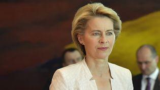 La ministre de la Défense allemande, Ursula von der Leyen, avant un Conseil des ministres à Berlin (Allemagne), le 15 juillet 2019. (TOBIAS SCHWARZ / AFP)