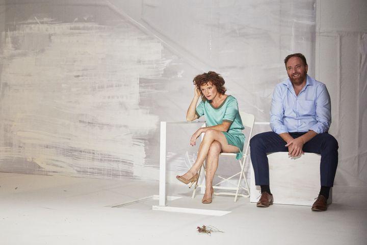 Julie Sicart (la Marquise) et Jérôme Pouly (Dorante, amant de la Comtesse)  (Christophe Raynaud de Lage/Comédie-Française)