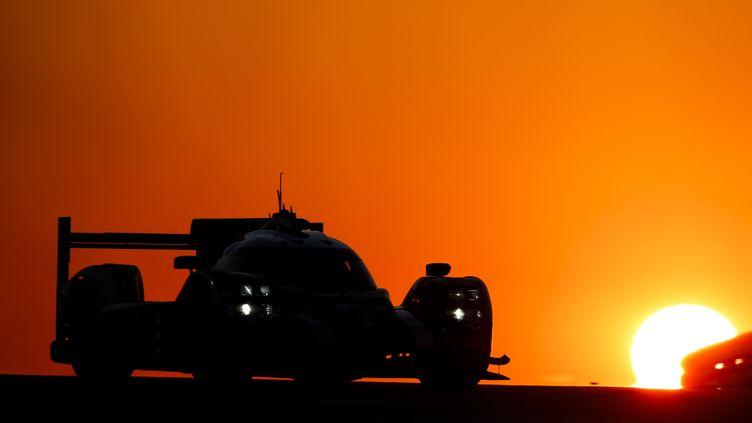 Le soleil se couche sur une nouvelle victoire de Porsche (FLORENT GOODEN / DPPI MEDIA)