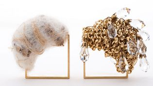 """Exposition """"Un bijou pour un autre"""" dans le cadre de l'évenement """"Circuits Bijoux"""" : modèle de Laurence Verdier  (DR)"""
