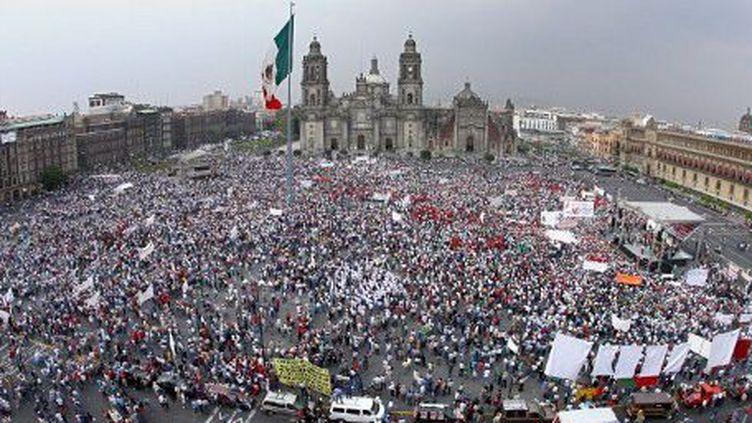 Manifestation pour des hausses de salaires à Mexico (en 2007). (ALFREDO ESTRELLA / AFP)