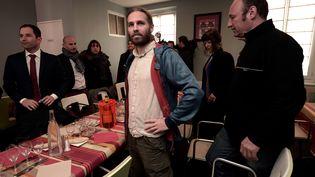 Le militant Jon Palais, lors d'une rencontre avec Benoît Hamon, le 4 janvier 2017 à Bayonne. (IROZ GAIZKA / AFP)