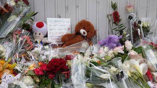 Hommages à l'enfant fauché par une voiture le 9 juin 2019 à Lorient. (B?ATRICE LE GRAND / MAXPPP)