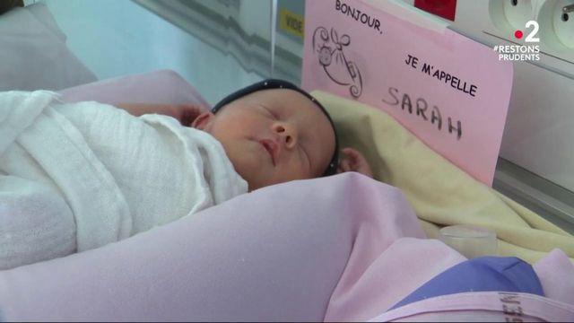 Coronavirus : immersion dans le service maternité de Valenciennes