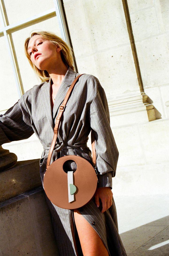La marque de maroquinerie made in FranceLouvreusepropose des sacs à la location (Louvreuse)