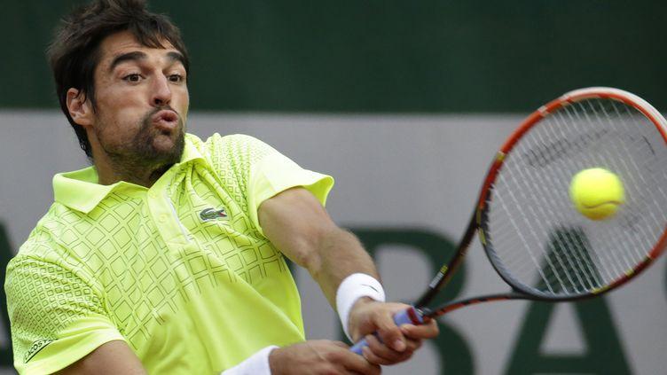 Jérémy Chardy s'est qualifié pour le second tour de Roland-Garros (KENZO TRIBOUILLARD / AFP)