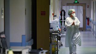Une interne de l'hôital Emile Muller de Mulhouse, le 16 février 2021. (SEBASTIEN BOZON / AFP)