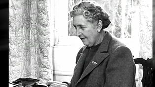Agatha Christie savait manier les intrigues, emporter ses lecteurs, mais la reine du crime restait quant à elle énigmatique. Un mystère partiellement levé par son petit-fils, qu'une équipe de France 3 a rencontré. (FRANCE 3)