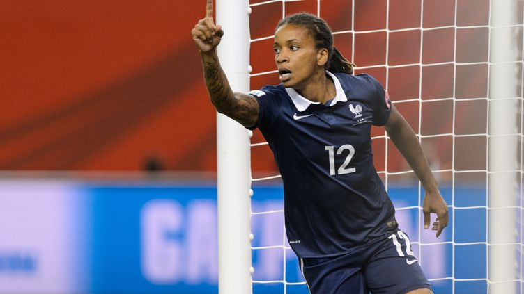 Elodie Thomis montre la voie pour l'équipe de France (MINAS PANAGIOTAKIS / GETTY IMAGES NORTH AMERICA)