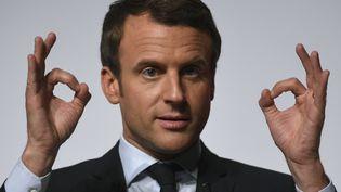 Emmanuel Macron, le 28 avril 2017 à Châtellerault (Vienne). (ERIC FEFERBERG / AFP)