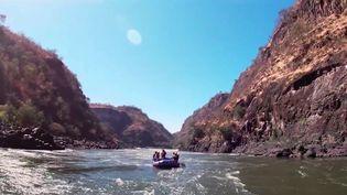 Tourisme : l'aventure du Zambèze en kayak (France 2)