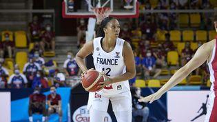 Iliana Rupert lorsde l'Eurobasket féminin 2021 face à la Croatie, le 17 juin 2021 au Rhenus Sport à Strasbourg. (ANN-DEE LAMOUR / AFP)