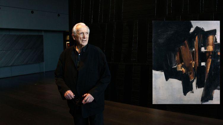 """Pierre Soulages au musée de Rodez (28 avril 2014) et """"Peinture, 200 x 162 cm, 14 mars 1960"""", vendue 9,6 millions d'euros chez Tajan à Paris le 27 novembre 2019 (ALAIN ROBERT / APERCU / SIPA et © STUDIO SEBERT)"""