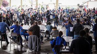 Un orchestre jouant lors d'un concert gratuit le 1er mai 2021, à Orléans (Loiret). (FLORENT VANNIER / HANS LUCAS)